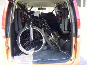 偏遊人さんの車に自転車積載