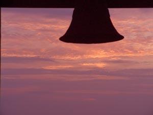 鐘と夕焼け