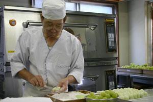 桃太郎ぶどうの大福『桃太郎大福』製作風景