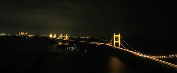 瀬戸大橋ライトアップ